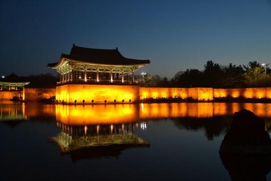 Anapji pond at night