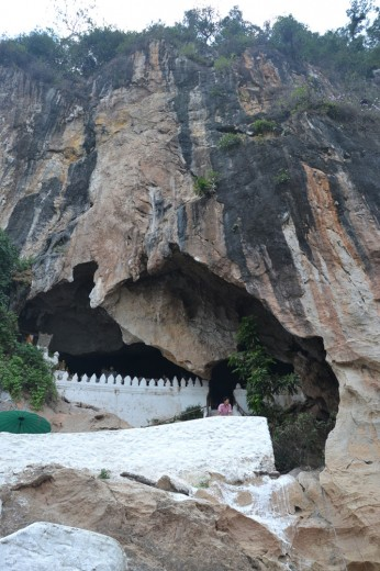 Entrance to Pak Ou caves