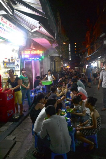 Streetfood at it's best in Hanoi!