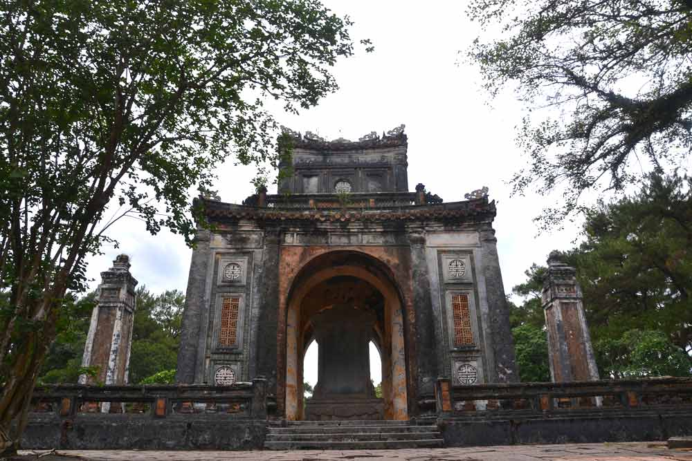 Old deteriorated gates in Imperial Citadel