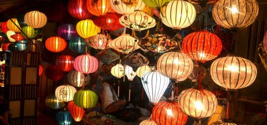 Night market in Hoi An selling tons of lanterns