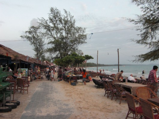 Beach front of Sihanoukville: beer, bars, BBQ and ....