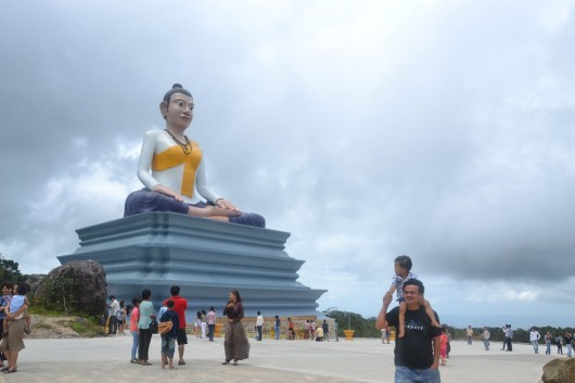 Buddhist stop on the way to Bokor Hill