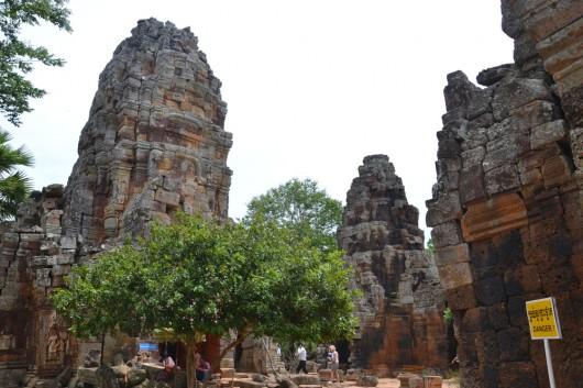 Remaining towers in Prasat Banan