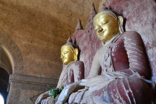 Twin statues in one of the many temples!