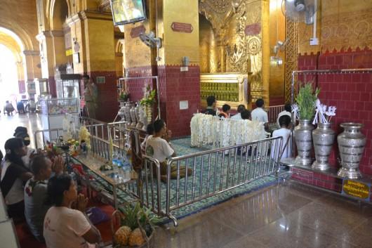 Seperate praying areas in Mahamuni Paya