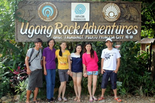 Group picture before going to the underground river