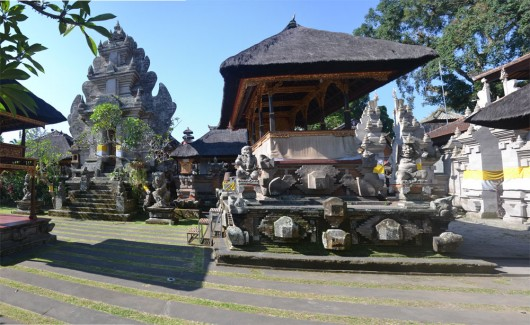 One of the many temples around Ubud