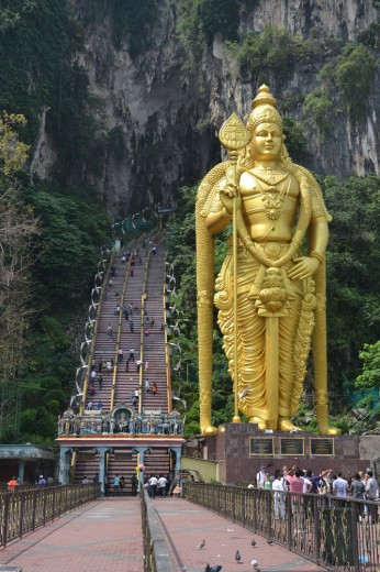 Entrance to Batu Caves with Murga statue guarding the entrance