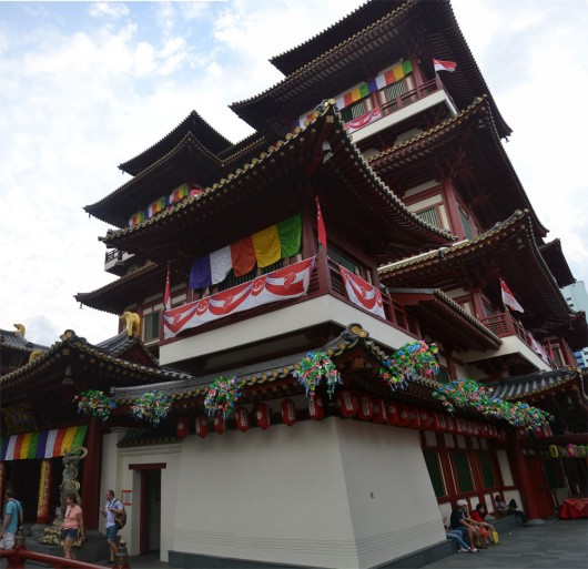 Impressive looking Tooth relic temple and museum