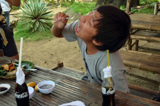 Me eating Tamilok (wood worm) in Puerto Princesa