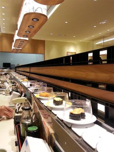 Conveyer belt at Genki Sushi