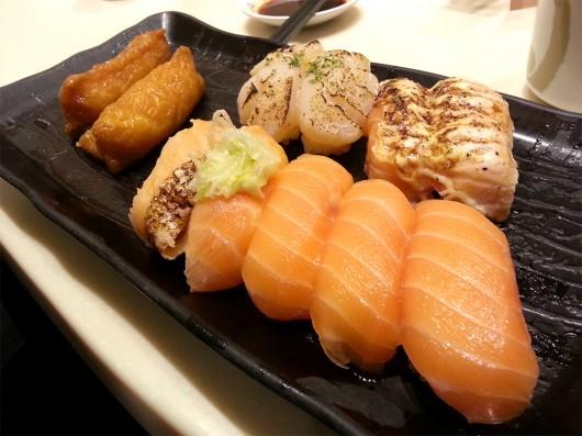 Assorted salmon sushi