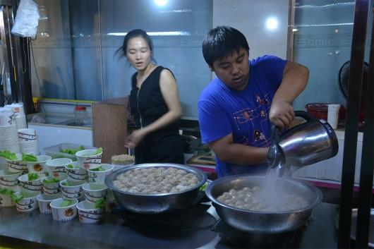 Street food vendors in Guilin