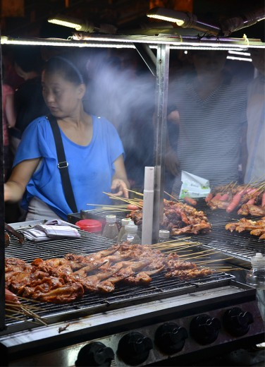 Streetfood vendors selling fried goods!