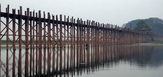 The 1,2km long U Bein's Bridge in Amarapura