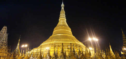 Magnificent golden zedi of Shwedagon Pagoda