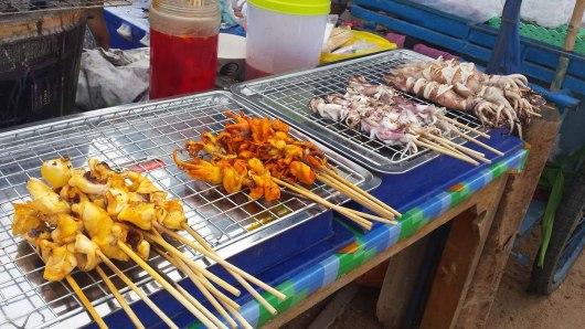 Asian backpacker - Koh Larn street BBQ