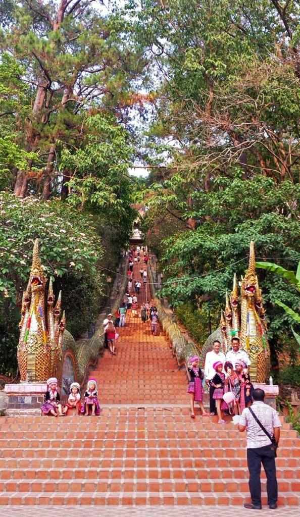 Asian backpacker - Chiang Mai Doi Suthep