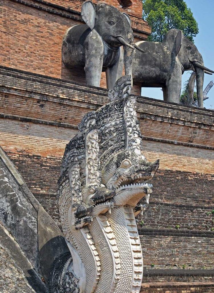 Asian backpacker - Chiang Mai Wat Chedi Luang